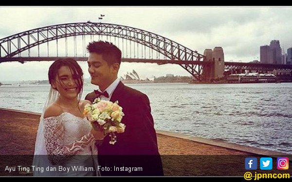 Ayu Ting Ting Semringah Sebut Nama Boy William - JPNN.COM
