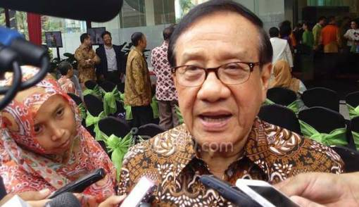 Bang Akbar Singgung Ide People Power, Sindir Amien Rais? - JPNN.COM