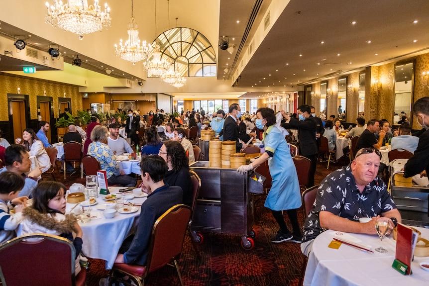 Sydney Menikmati Kebebasan, Kehidupan Perlahan Kembali Normal - JPNN.com