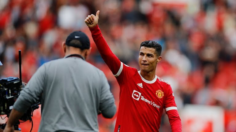 Luis Figo Sepakat dengan Pilihan Cristiano Ronaldo yang Satu Ini - JPNN.com