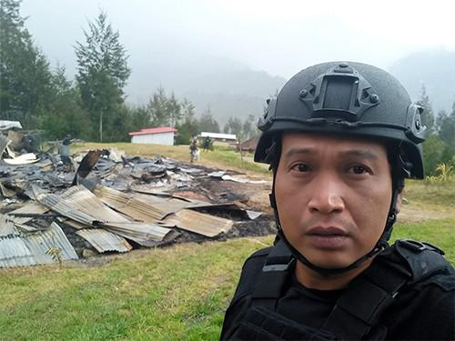 AKBP Arief Fajar, Sandang Kamera, Buru KKB di Papua