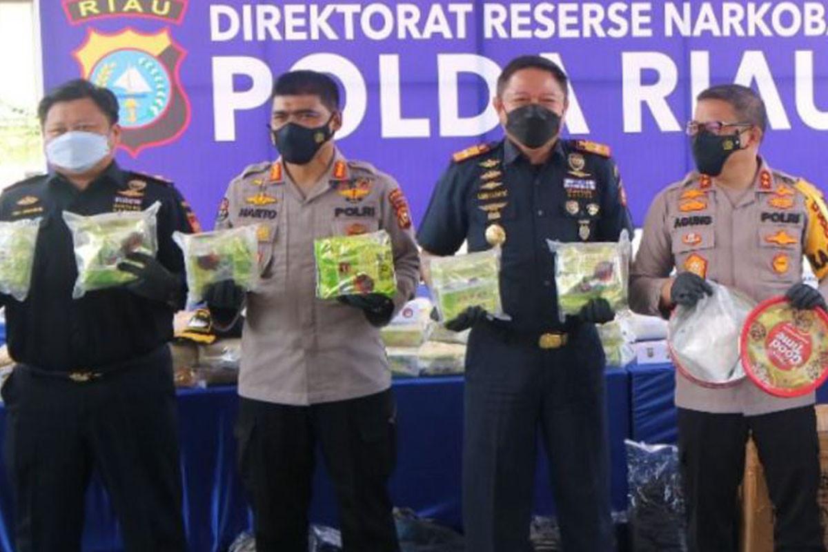 Penyelundupan Sabu Hampir Setengah Kwintal Digagalkan Bea Cukai Bersama Kepolisian di Riau - JPNN.com