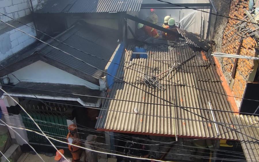 Rumah Dua Lantai di Jakut Terbakar, Kerugiannya Sampai Sebegini - JPNN.com