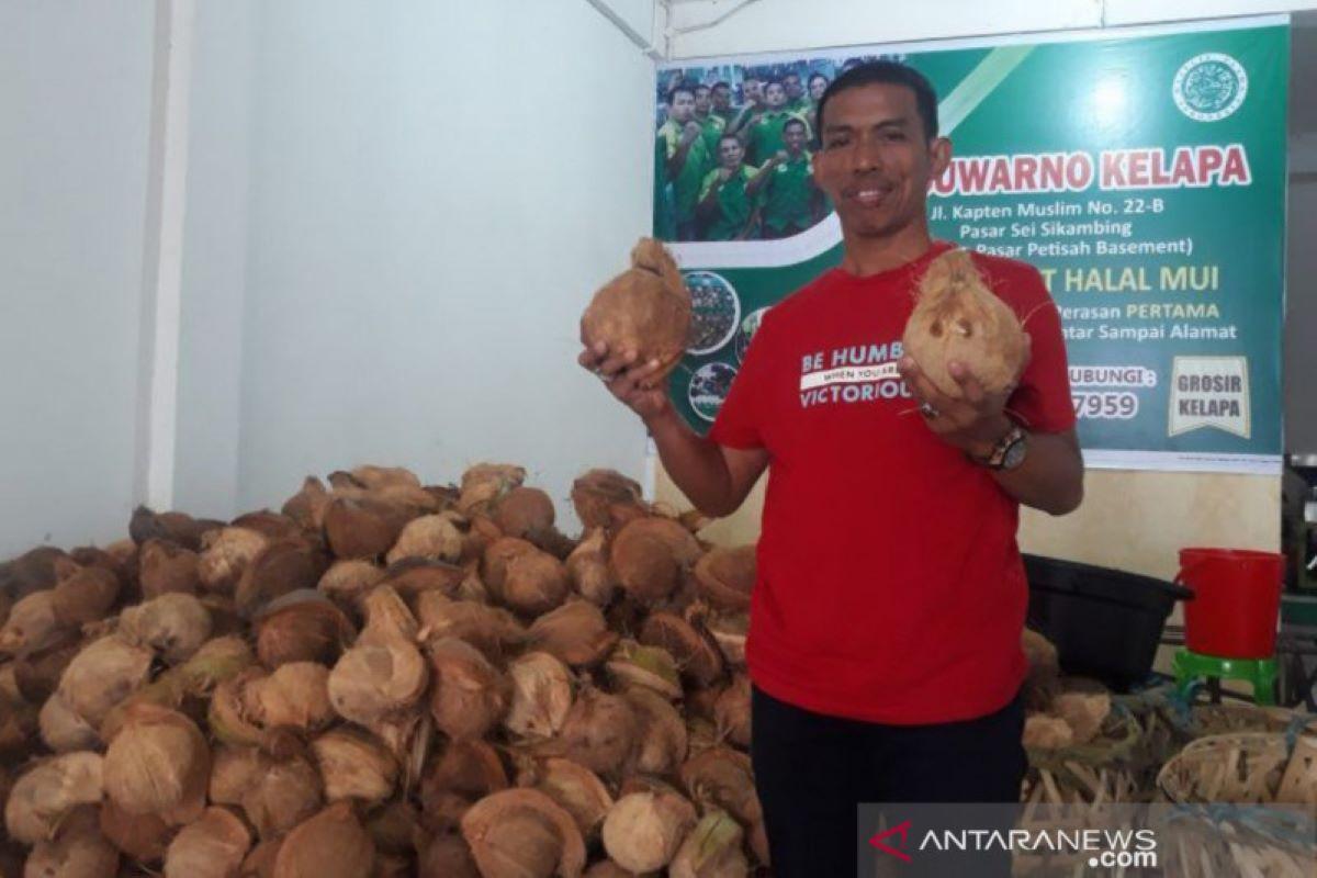 29 Tahun Berdagang Kelapa Kini Suwarno Jadi Dirut Perumda Pasar, Ini Kisahnya - JPNN.com