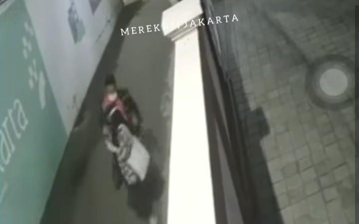 Perempuan Jalan Kaki Sendirian di Gang, Tiba-Tiba Ada Lelaki, Terjadilah, Viral - JPNN.com