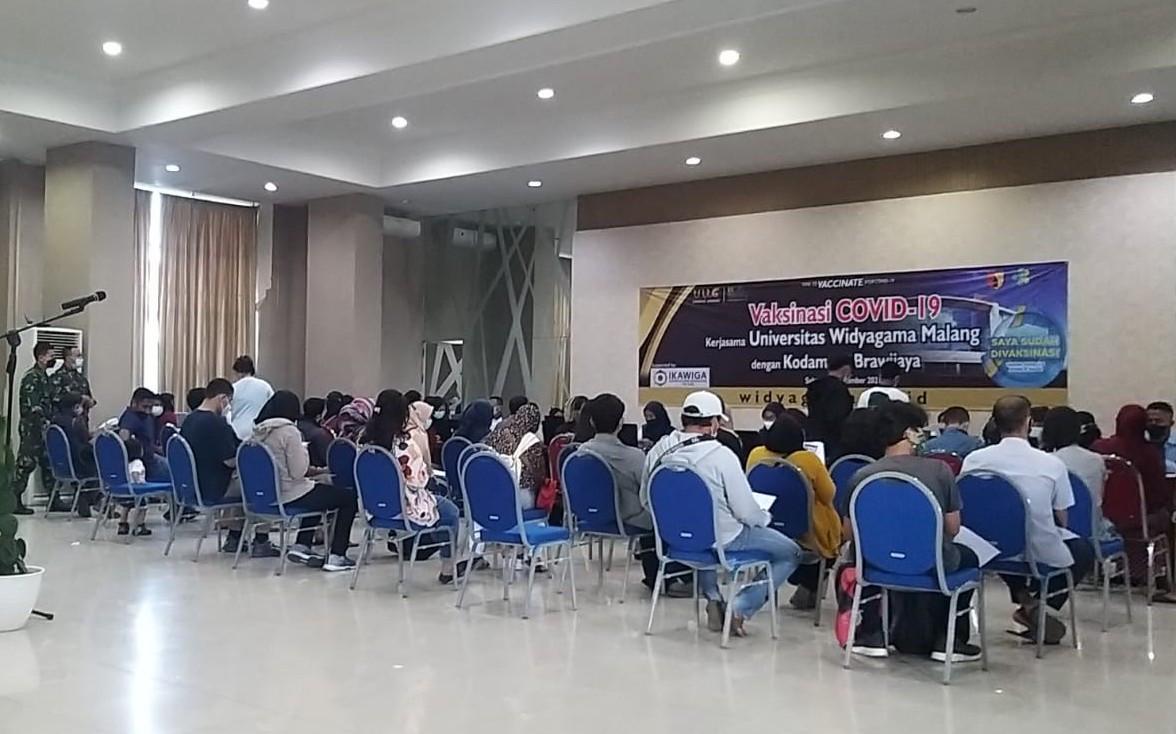 Gelar Vaksinasi, Kampus Widyagama Sampaikan Apresiasi kepada Mayjen Suharyanto - JPNN.com