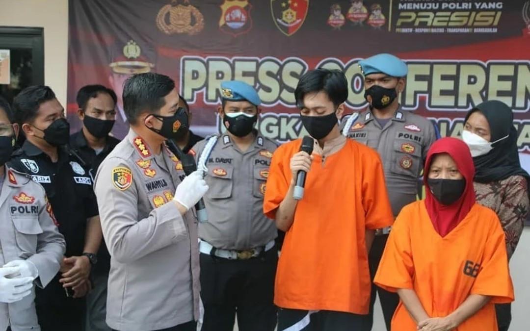 Polisi Gerebek Rumah di Tangerang, DD dan DR Berbuat Terlarang, Hmm - JPNN.com