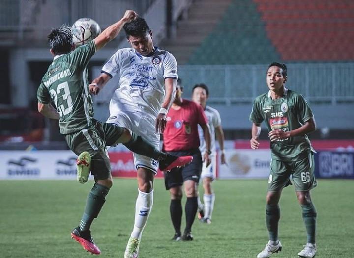 Komentar Pelatih Arema FC Setelah Singo Edan Takluk 1-2 dari PSS - JPNN.com