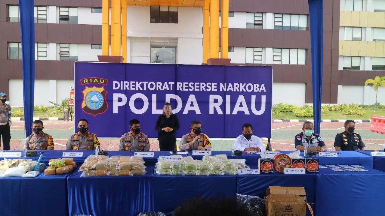 Bea Cukai dan Kepolisian Ungkap Penyelundupan 50 Kg Sabu di Wilayah Sumatera - JPNN.com
