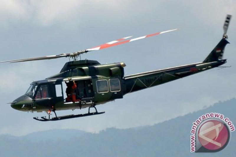Jenazah Nakes Korban Kekerasan KKB Dievakuasi dengan Helikopter Penerbad - JPNN.com