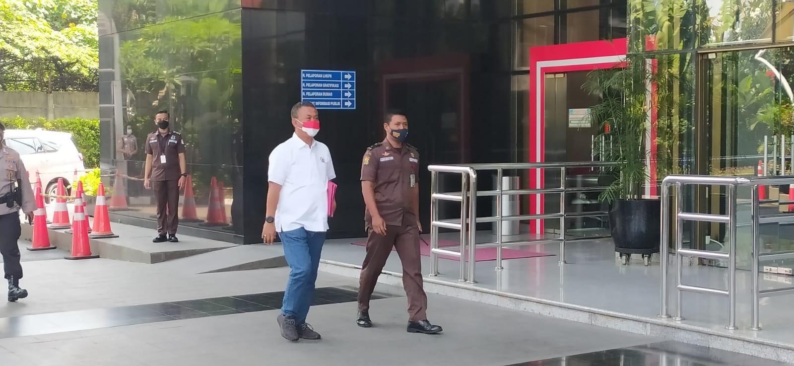 Bawa Map Merah, Prasetyo Edi Hadiri Pemeriksaan KPK - JPNN.com
