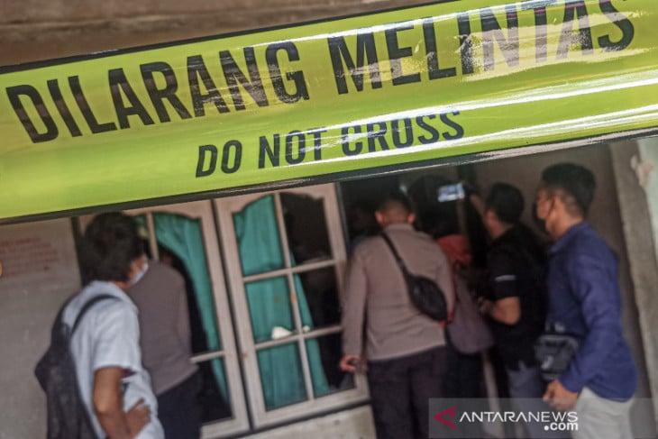 Pria Pembunuh Kakak Ipar Dikepung Warga, Rumahnya Rusak Dilempari Pakai Batu - JPNN.com