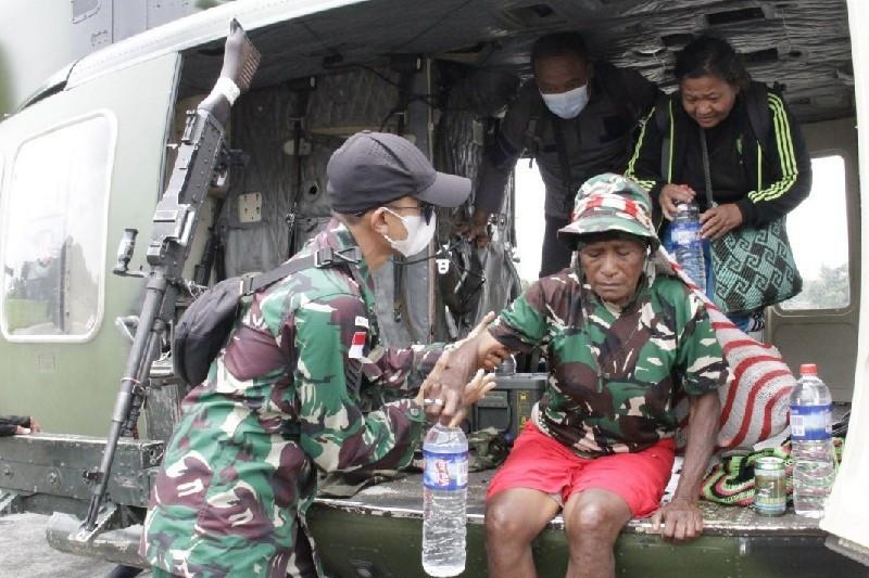 KKB Makin Brutal, TNI-Polri Evakuasi Warga dari Distrik Kiwirok - JPNN.com