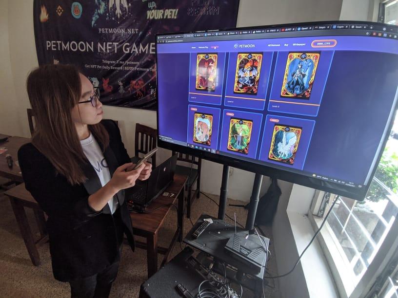 Petmoon Token, Game Online Penambang Kripto Besutan Arek Surabaya - JPNN.com