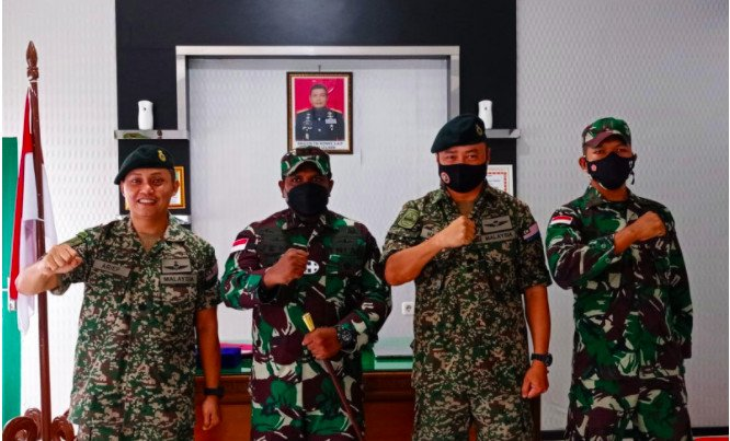 Rombongan Tentara Malaysia Mendatangi Markas TNI Kodim 1206 Putussibau, Ada Apa Ini? - JPNN.com