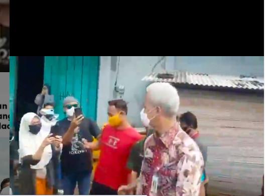 Dampingi Jokowi Blusukan di Cilacap, Ganjar Malah Diserbu Warga - JPNN.com
