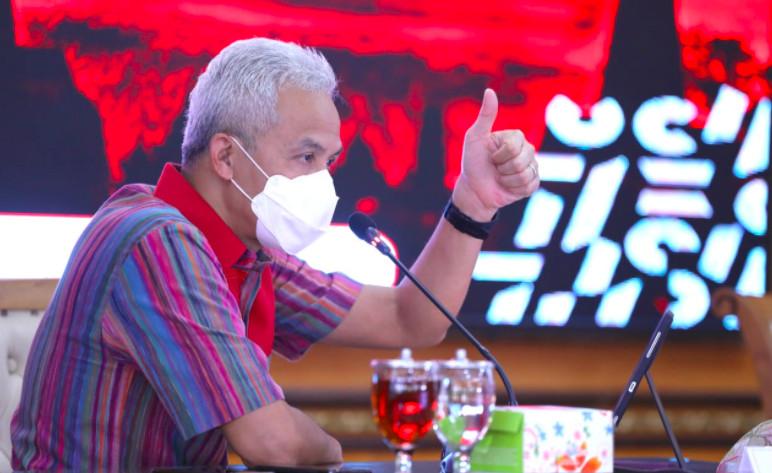 90 Siswa Positif Covid-19 saat PTM, Ganjar Pranowo: Bagi yang Tak Melapor, Bubarkan - JPNN.com