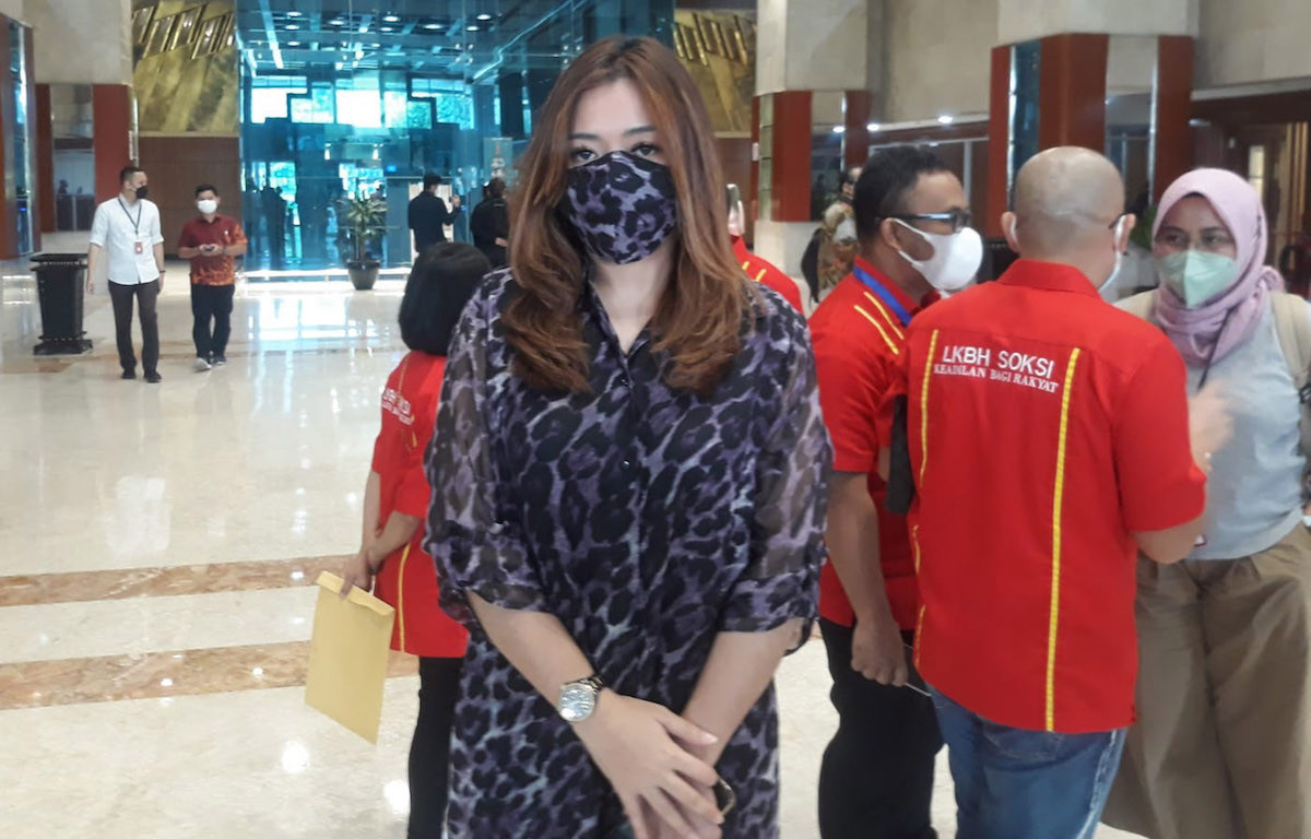 Dipersekusi Warga, Lirabica Curhat ke DPR - JPNN.com