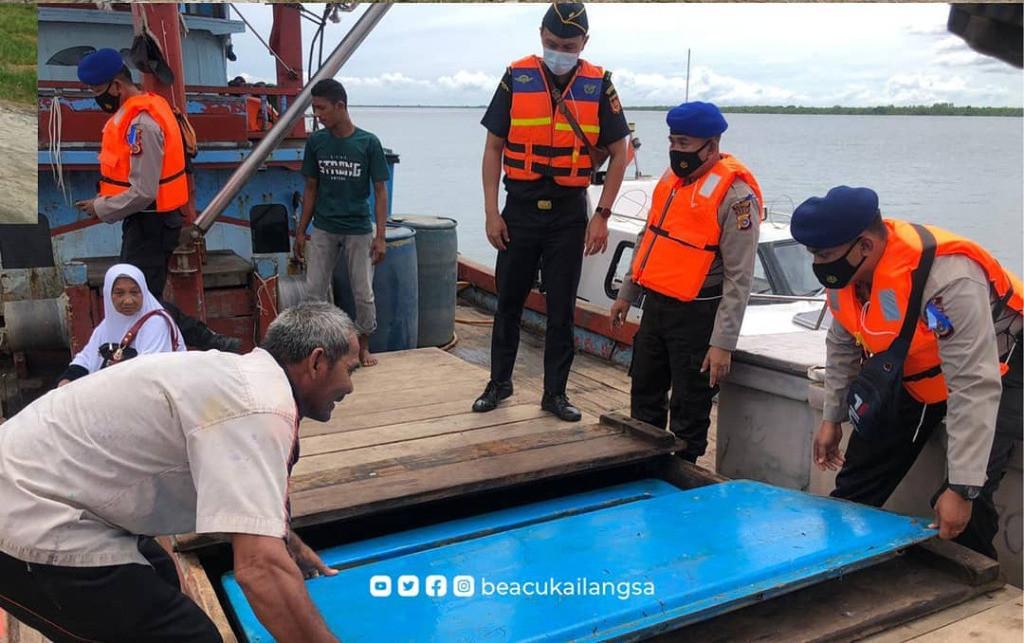 Misi Bea Cukai dan Polairud Gelar Patroli Laut di Perairan Langsa - JPNN.com