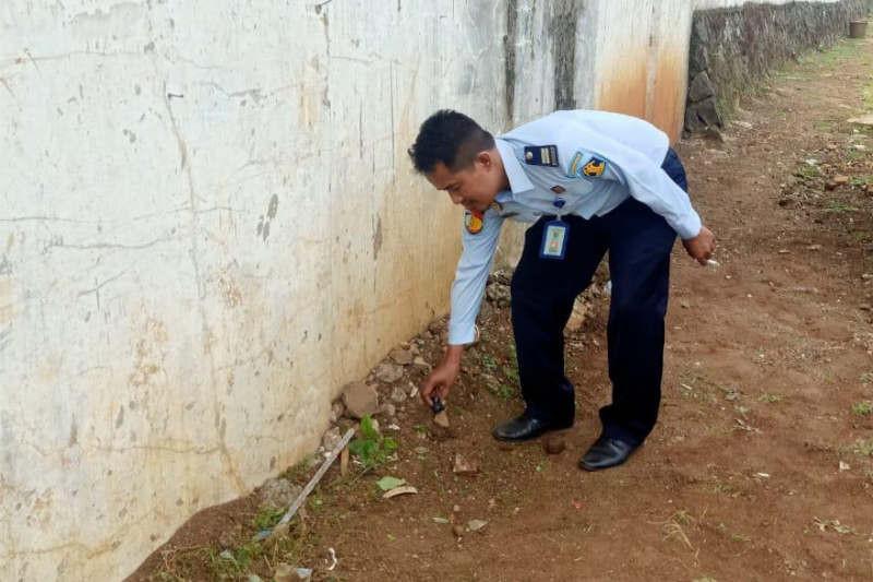 Petugas Lapas Semarang Gagalkan Penyelundupan Sabu-Sabu - JPNN.com