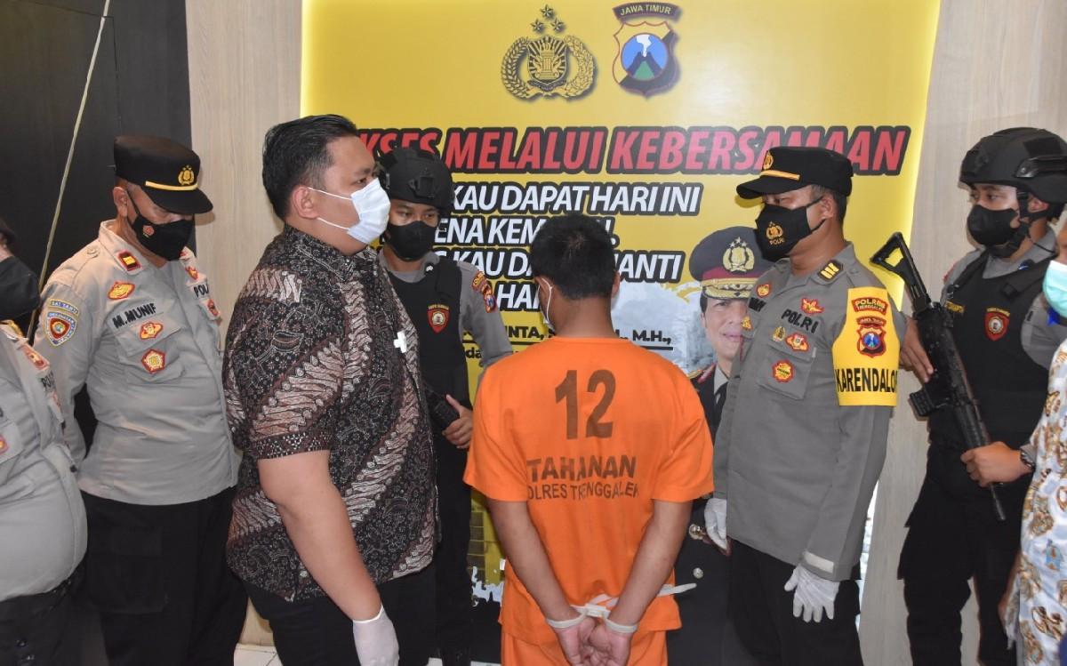 34 Santriwati Jadi Korban Kebejatan Ustaz SMT di Trenggalek, Begini Modusnya - JPNN.com