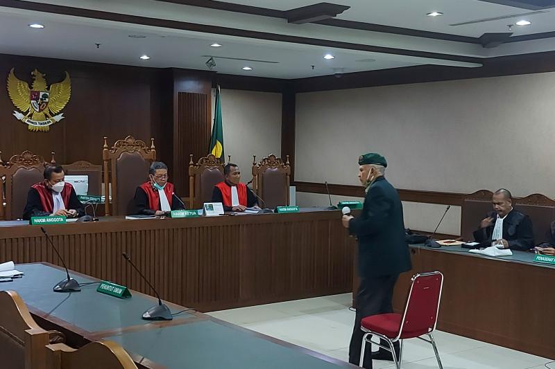 Kivlan Zen Divonis 4 Bulan 15 Hari Penjara di Kasus Senjata Api Ilegal - JPNN.com