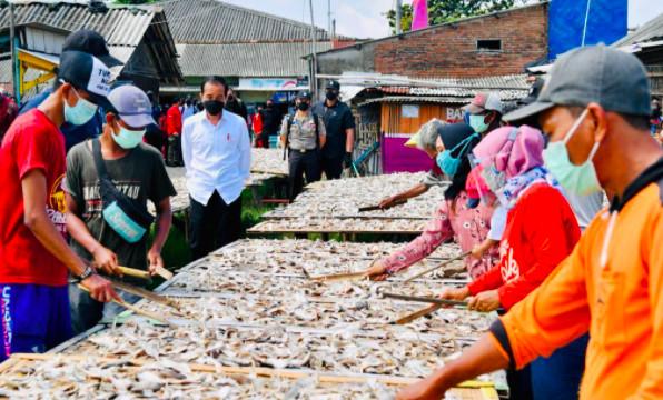 Vaksinasi BIN Menjangkau Perkampungan Nelayan di Cilacap - JPNN.com