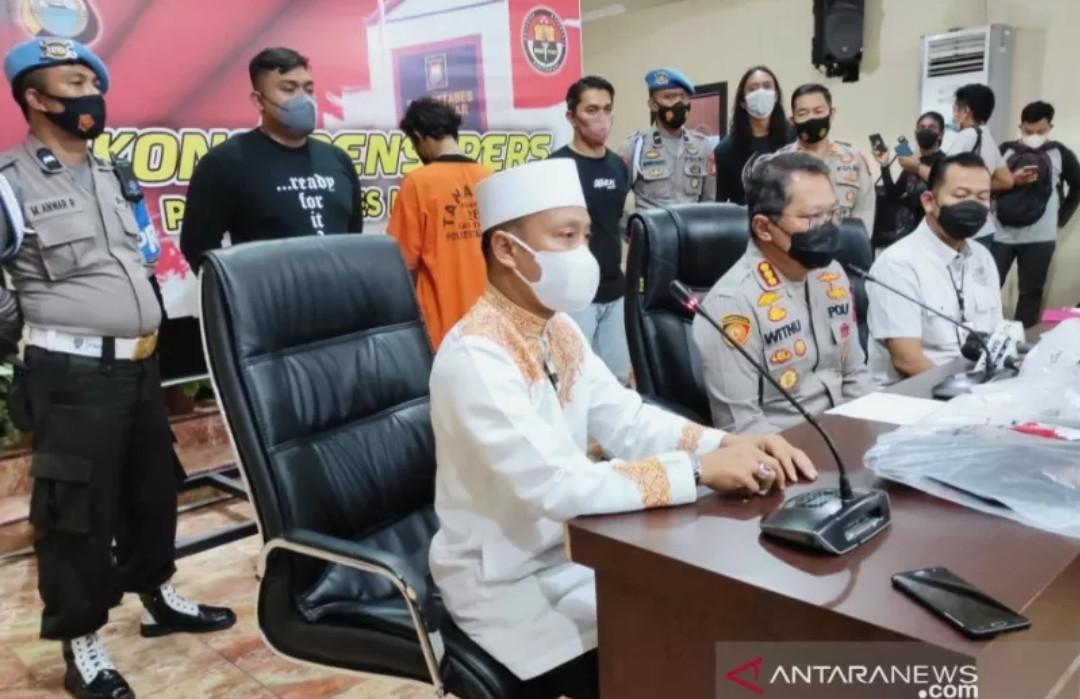 Soal Pembakaran Mimbar Masjid Raya Makassar, Ustaz Das'ad Latif Bereaksi - JPNN.com