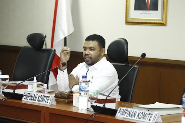 Senator Filep Tanggapi Gugatan Perdata Luhut ke Haris Azhar & Fatia - JPNN.com