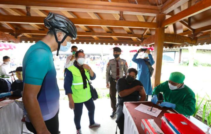 Genjot Pariwisata Sekitar Kawasan Borobudur, Pak Ganajr Minta Vaksinasi Dikebut - JPNN.com