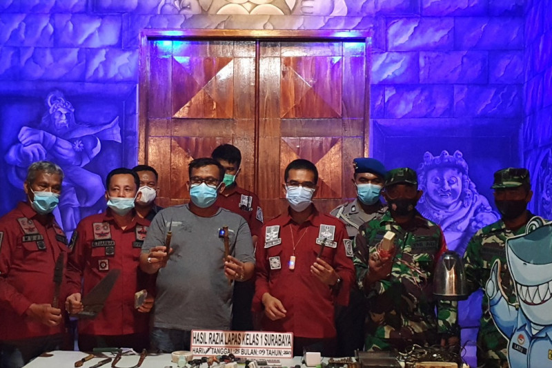 Napi di Lapas Surabaya Simpan Gergaji dan Senjata Tajam - JPNN.com