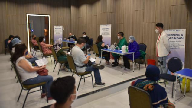 Sehat365 Gelar Vaksinasi Gotong Royong di Surabaya - JPNN.com
