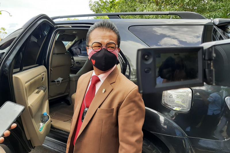 Jumaga Nadeak Dukung Langkah Gubernur Kepri Protes kepada Menteri - JPNN.com