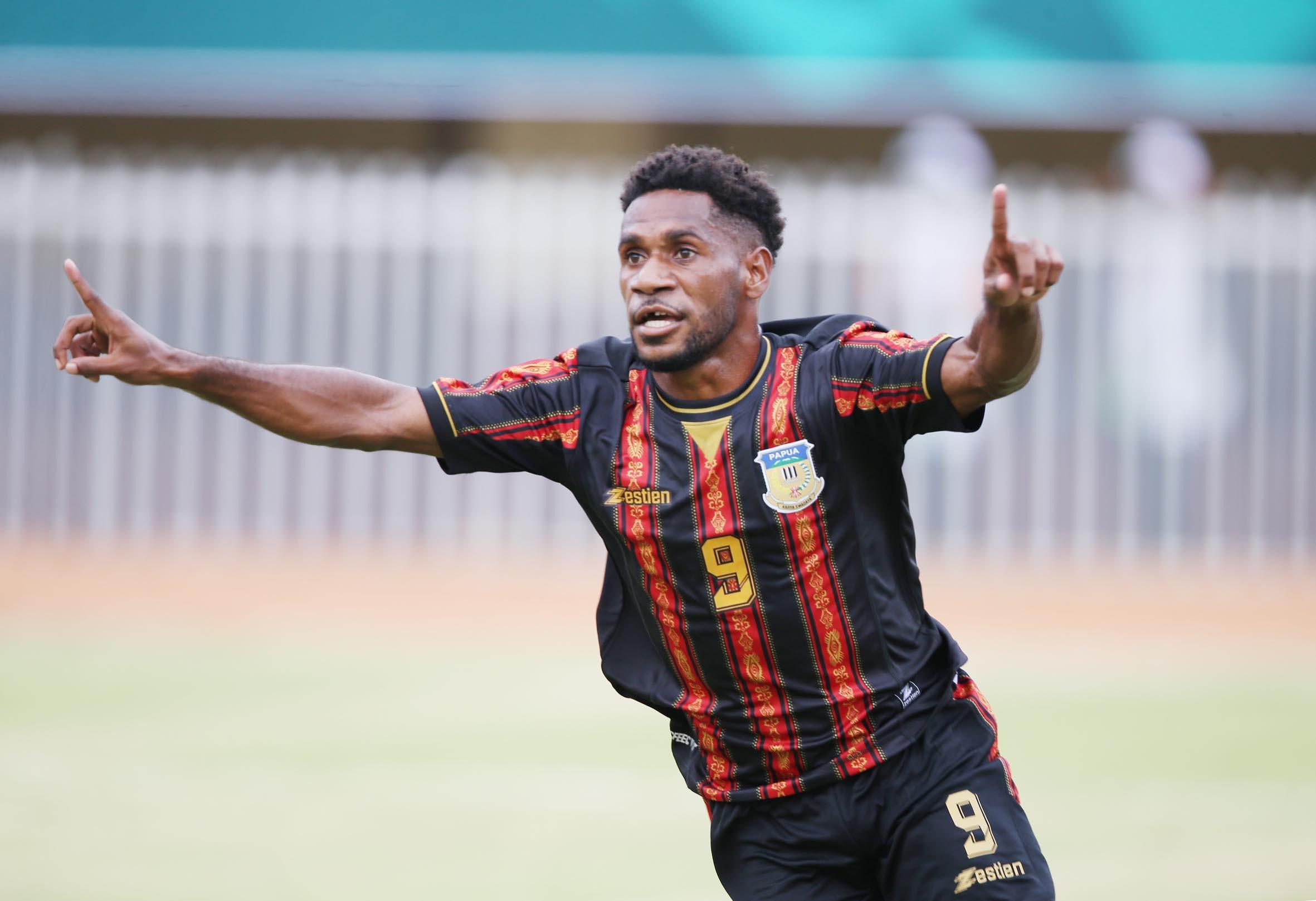 Tim Sepak Bola Papua Menang Telak atas Jawa Barat di PON XX 2021 - JPNN.com