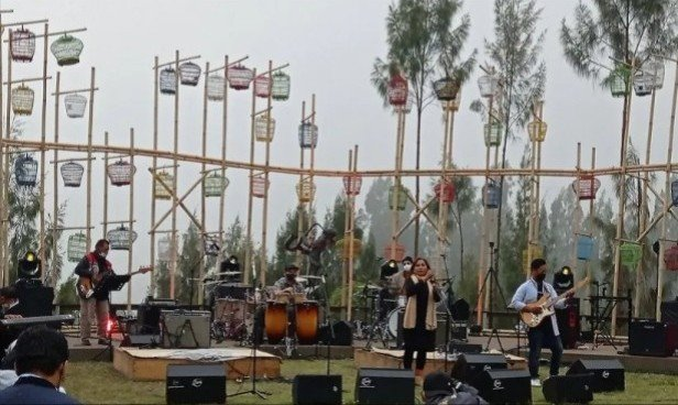 Surabaya Pahlawan Jazz Curi Perhatian di Jazz Gunung Bromo 2021 - JPNN.com
