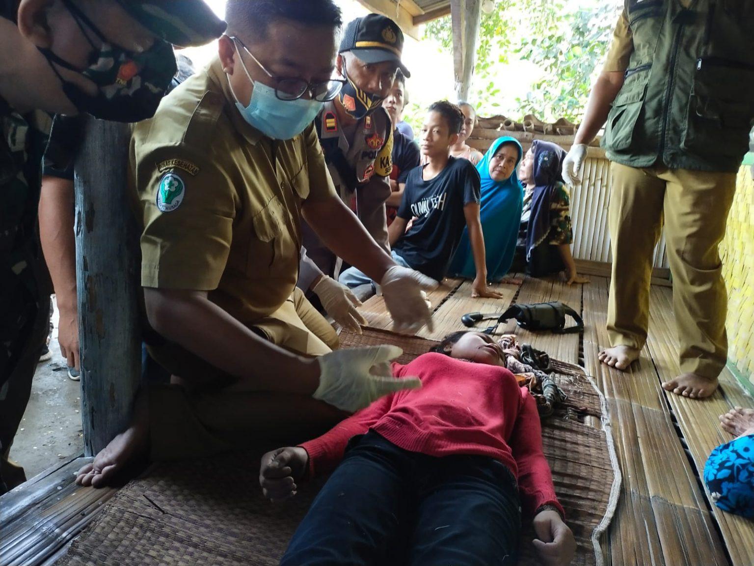 Remaja Putri Tepergok Pacaran di Kamar, Akhirnya Berbuat Nekat - JPNN.com