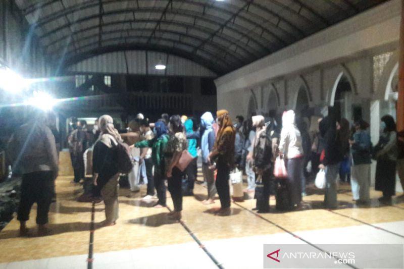 Polda Jabar Hanya Menahan 10 Orang dari 89 Karyawan Pinjol yang Diciduk di Yogyakarta - JPNN.com
