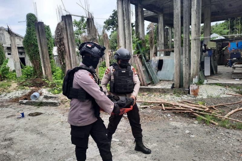 Pak Anis Temukan Bom Mortir, Tim Jibom Brimob Langsung Bergerak - JPNN.com
