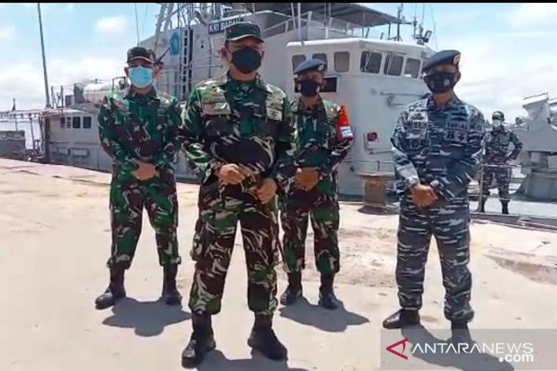 Jokowi ke Banjarmasin, KRI Badau 841 yang Dilengkapi Meriam Bersiaga - JPNN.com
