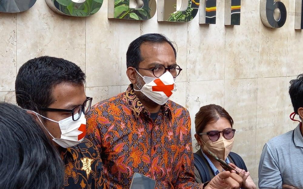 Haris Azhar Blak-blakan Akui Pernah Telepon Luhut Binsar soal Saham Freeport - JPNN.com