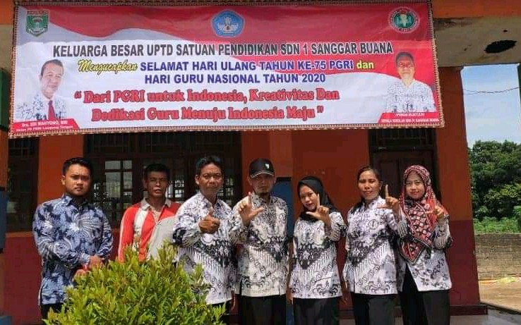 Lulus Passing Grade PPPK Disuruh Tes Tahap II, Edward: Menyakiti Guru Honorer - JPNN.com