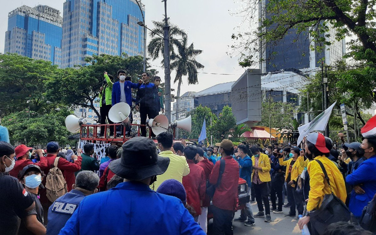 Terdengar Teriakan Meminta Presiden Jokowi Mundur di Patung Kuda - JPNN.com