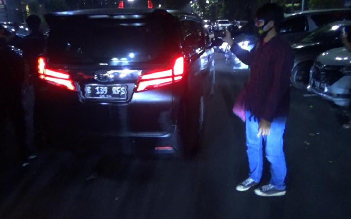 Pelat Mobil yang ditumpangi Rachel Vennya Dinilai Aneh, Polisi Langsung Bertindak - JPNN.com
