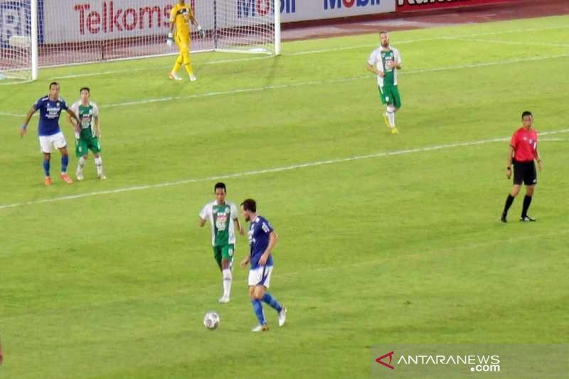 Persib vs PSS Sleman: Maung Bandung Terkam Super Elang Jawa - JPNN.com