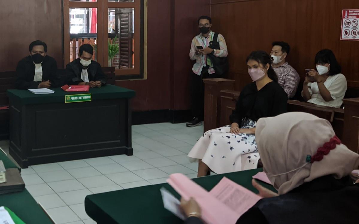 Stella Monica Dituntut 1 Tahun Penjara, Pihak Klinik L'Viors Bereaksi - JPNN.com