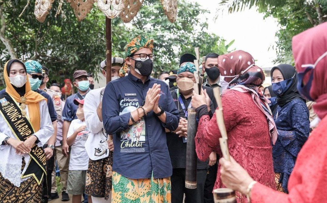 Kelompok Emak-Emak UMKM Curhat, Sandiaga Uno Beri Solusi - JPNN.com