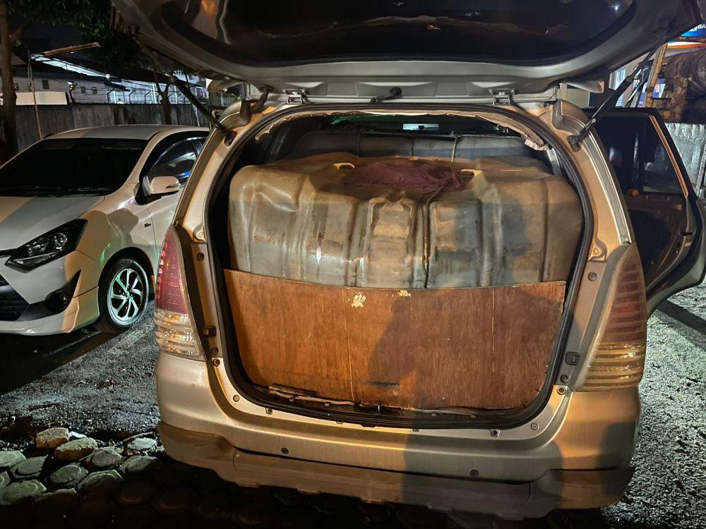 Lihat, Mobil Innova Disulap Jadi Kayak Begini, Parah - JPNN.com