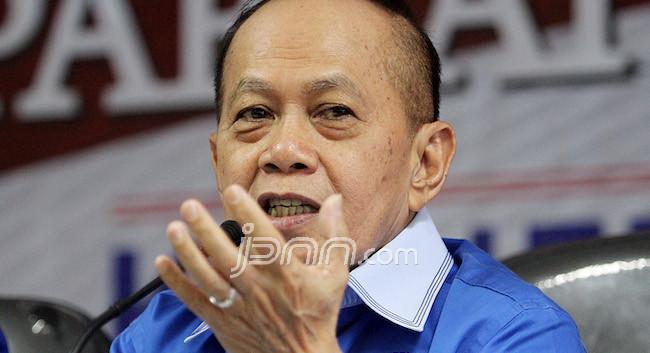 Keras! Syarief Hasan Kecam Pembakaran Mimbar Masjid Raya Makassar - JPNN.com
