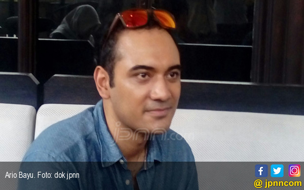 Ario Bayu Akhirnya Dapat Piala - JPNN.COM