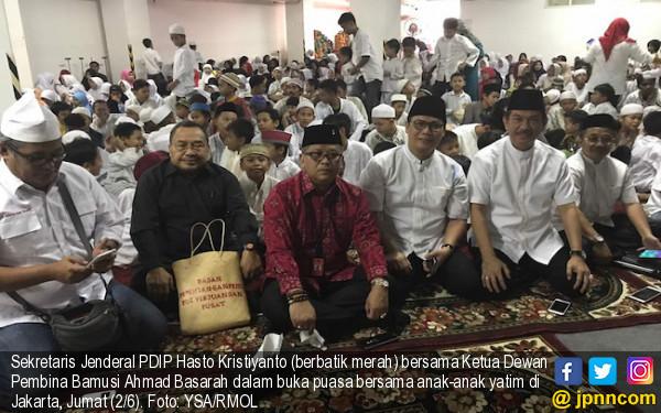 Ingat, Bung Karno Punya Jasa Besar Bagi Peradaban Islam - JPNN.com